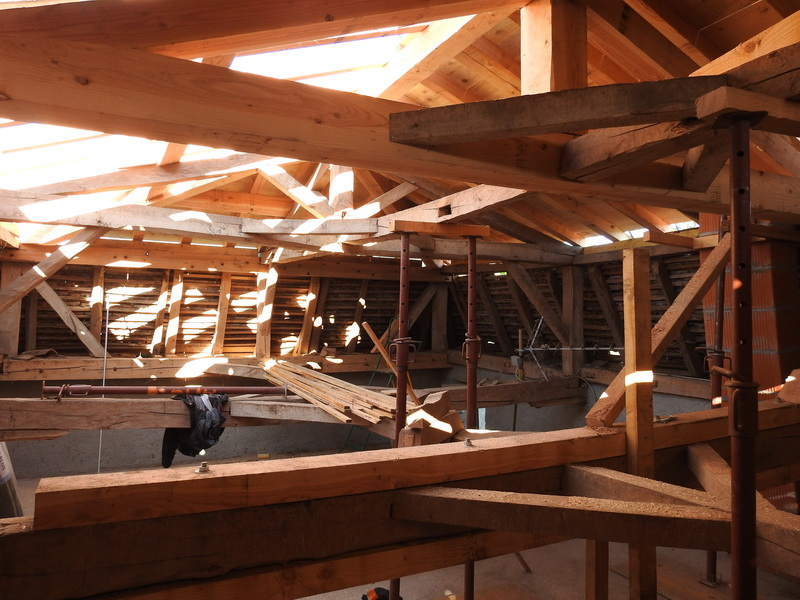 mc charpente loire renovation toiture ancienne vue interieure amc charpente. Black Bedroom Furniture Sets. Home Design Ideas