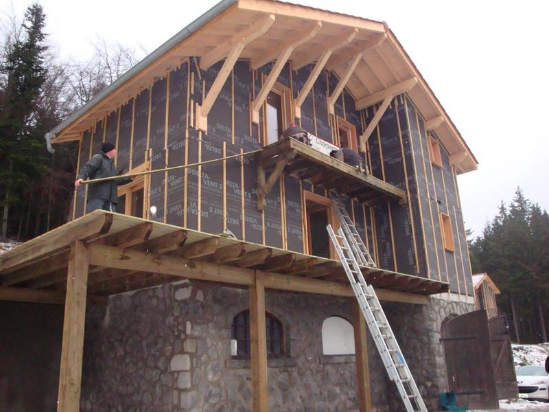 Ossature bois id ale pour la construction d 39 un chalet amc charpente for Bois construction chalet