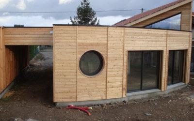Bâtiments  à ossature bois: économiques,beaux et écologiques