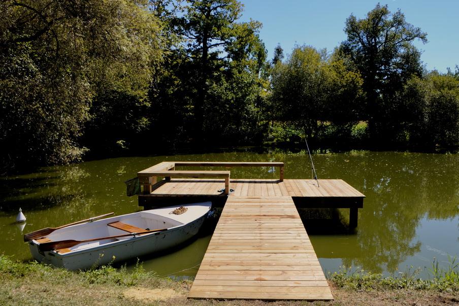 Création et pose d'un ponton en bois