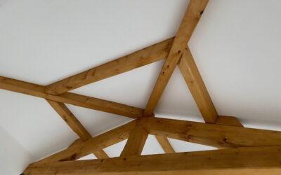 Charpente traditionnelle en sapin pour une extension d'habitation