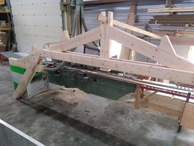 conception et pose d'une charpente traditionnelle en douglas massif par AMC charpente Loire 42